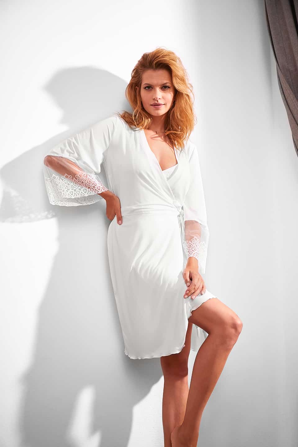 Gorgeous / 3126 Vestaglia<br />01 Ivory, 02 Black