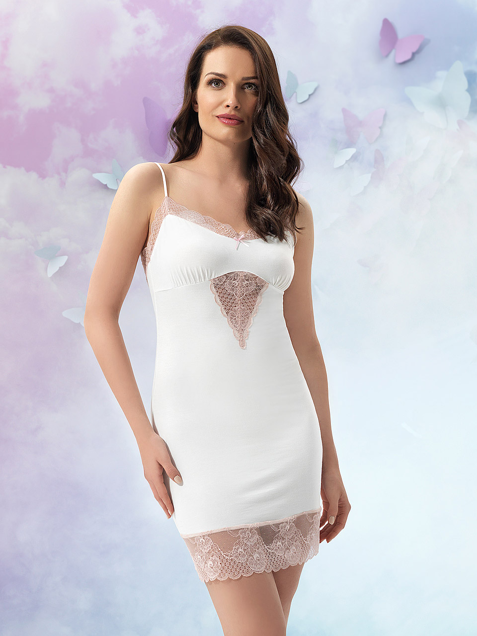 Juliette 2913 Chemise<br />01 Ivory, 02 Black, 03 Navy Blue, 18 Light Rose