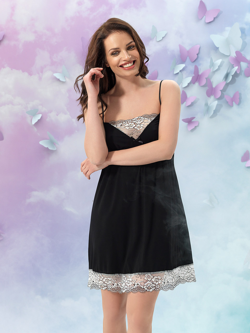 Alice 2934 Chemise<br />01 Ivory, 02 Black, 19 Peach