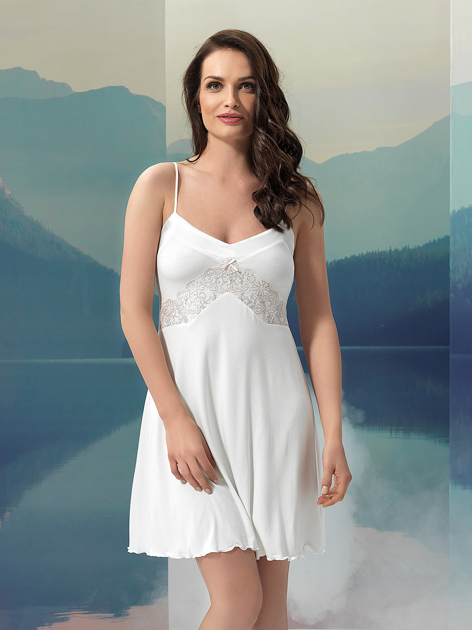 Sky 2957 Chemise<br />10 Ivory, 20 Light Blue