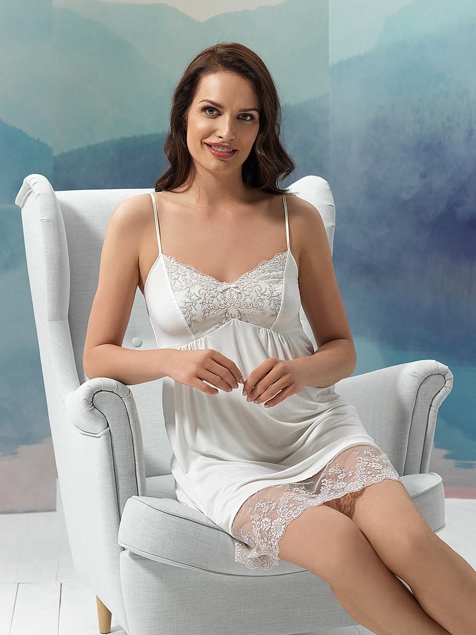 Sky 2958 Chemise<br />10 Ivory, 20 Light Blue