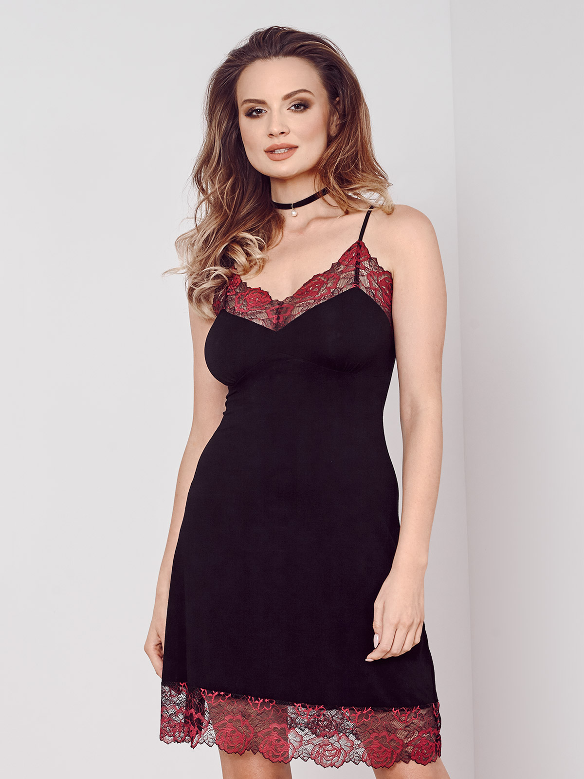 IC 012 Chemise<br />02 Black, 07 Ruby, 28 Cappuccino