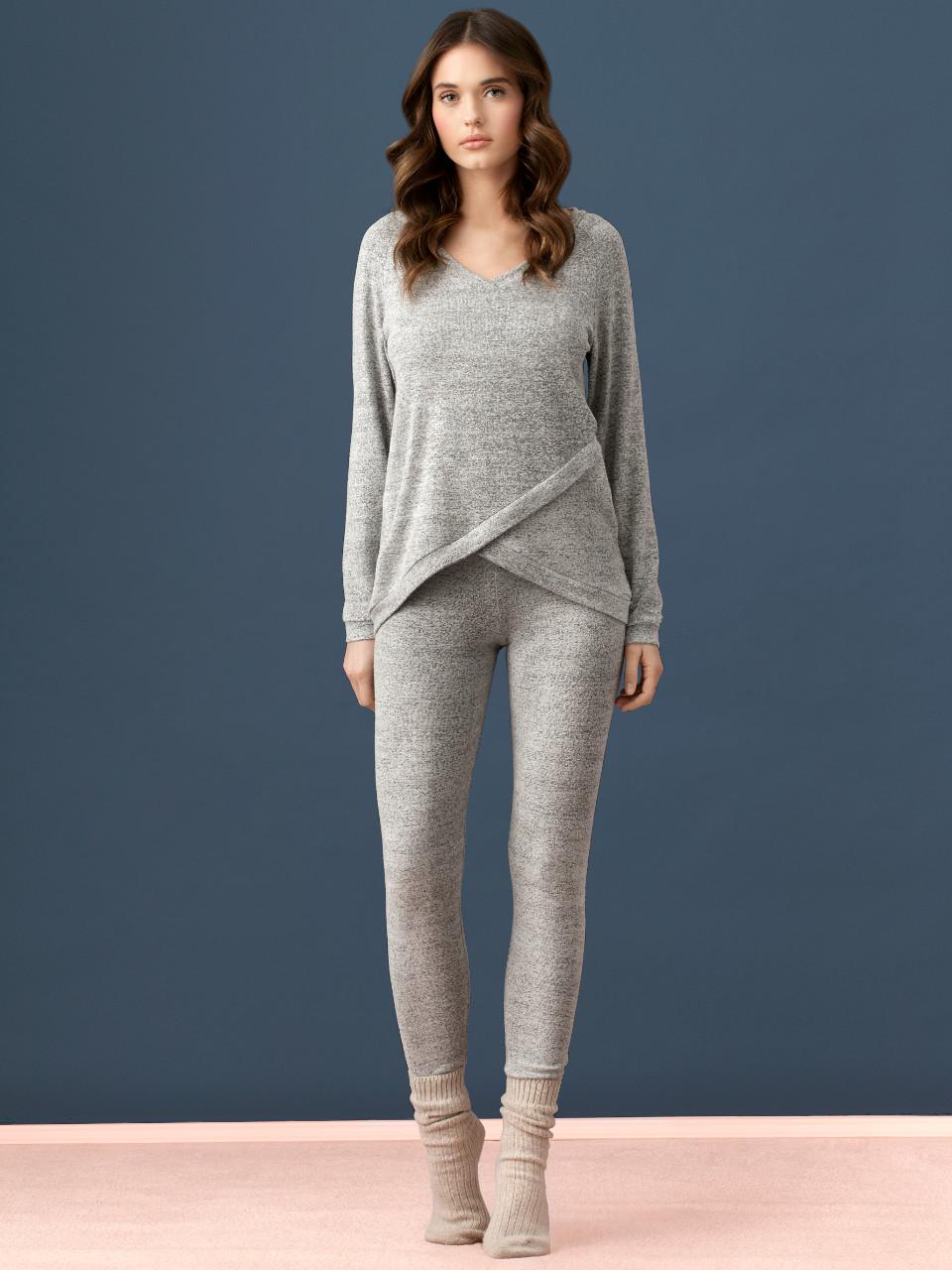 LW014 Maglia<br />14 Grey Melange<br />LW015 Leggings<br />14 Grey Melange