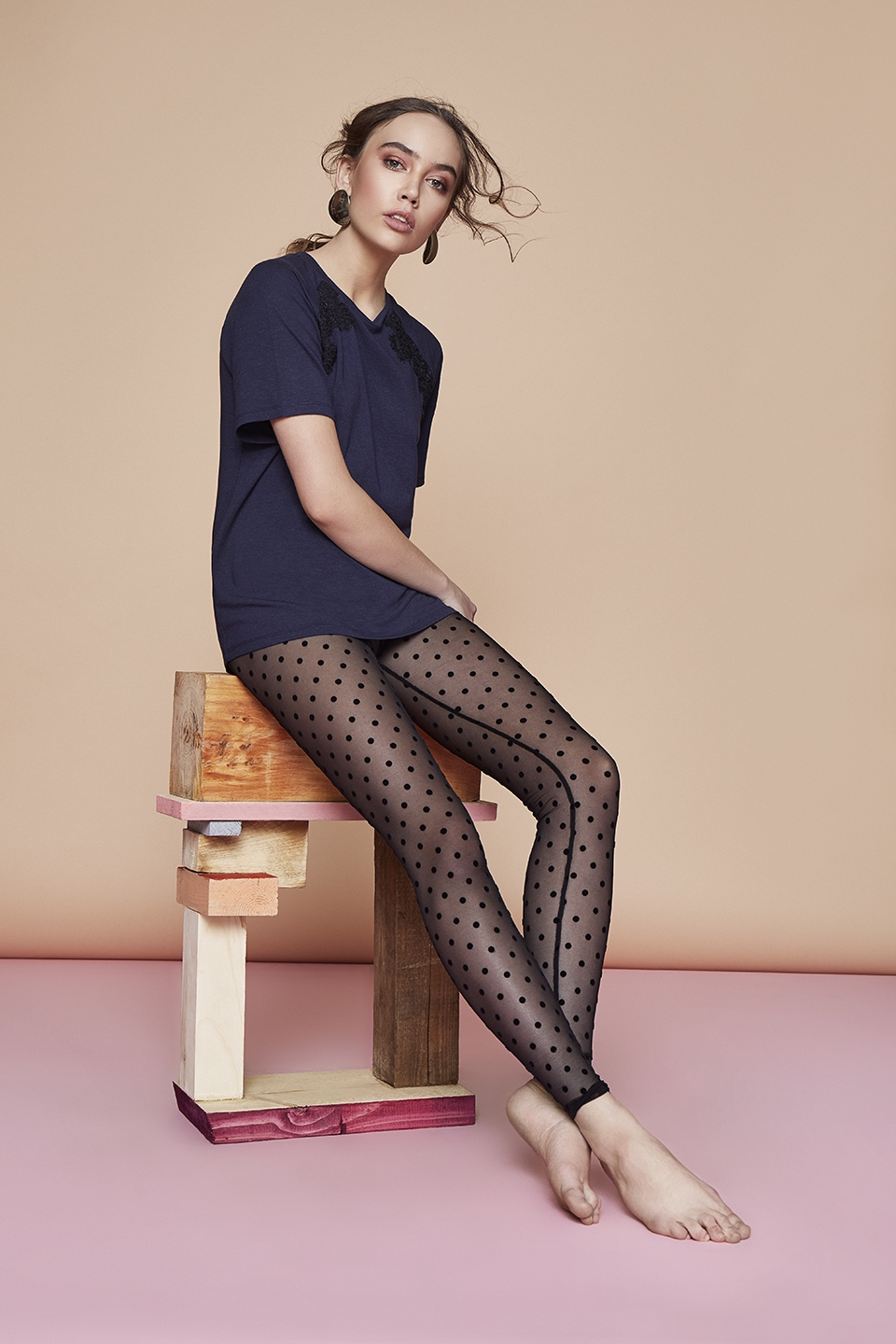 Petals OZ118 T-shirt<br />03 Dark Blue, 15 Beige, 67 Antique Rose<br />Sprinkles OZ138 Leggins