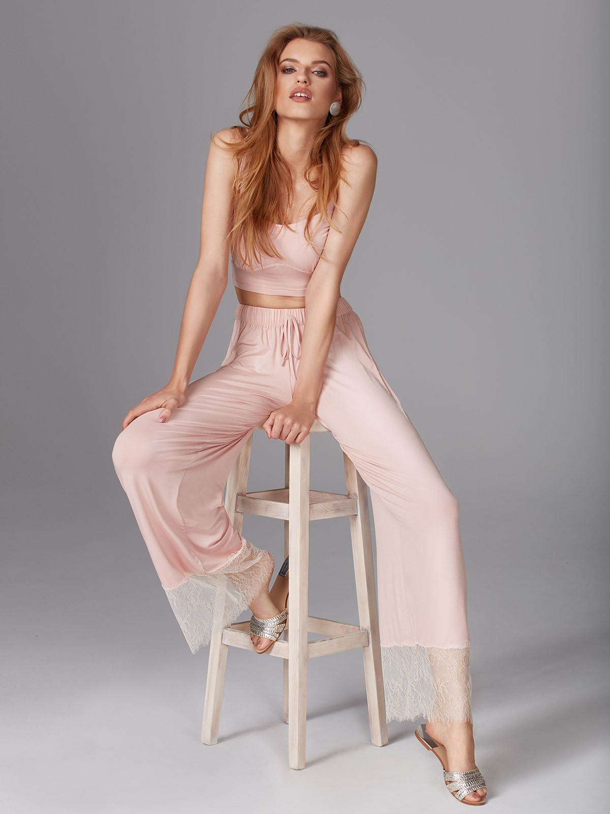 Youth OZ001 Top <br />01 Ivory, 02 Black, 64 Dusty Pink<br />Pretty Things OZ002 Pantalone<br />01 Ivory, 02 Black, 64 Dusty Pink