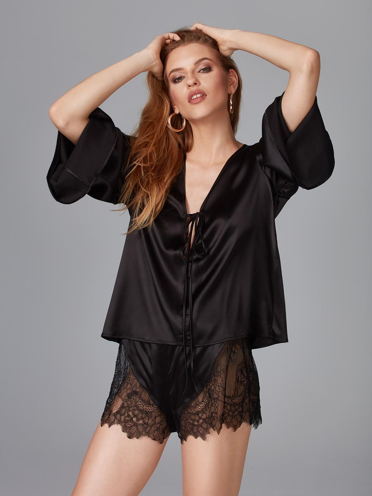 Amore OZ021 Camicia Seta<br />Vogue OZ022 Shorts Seta e Pizzo<br />01 Ivory, 02 Black
