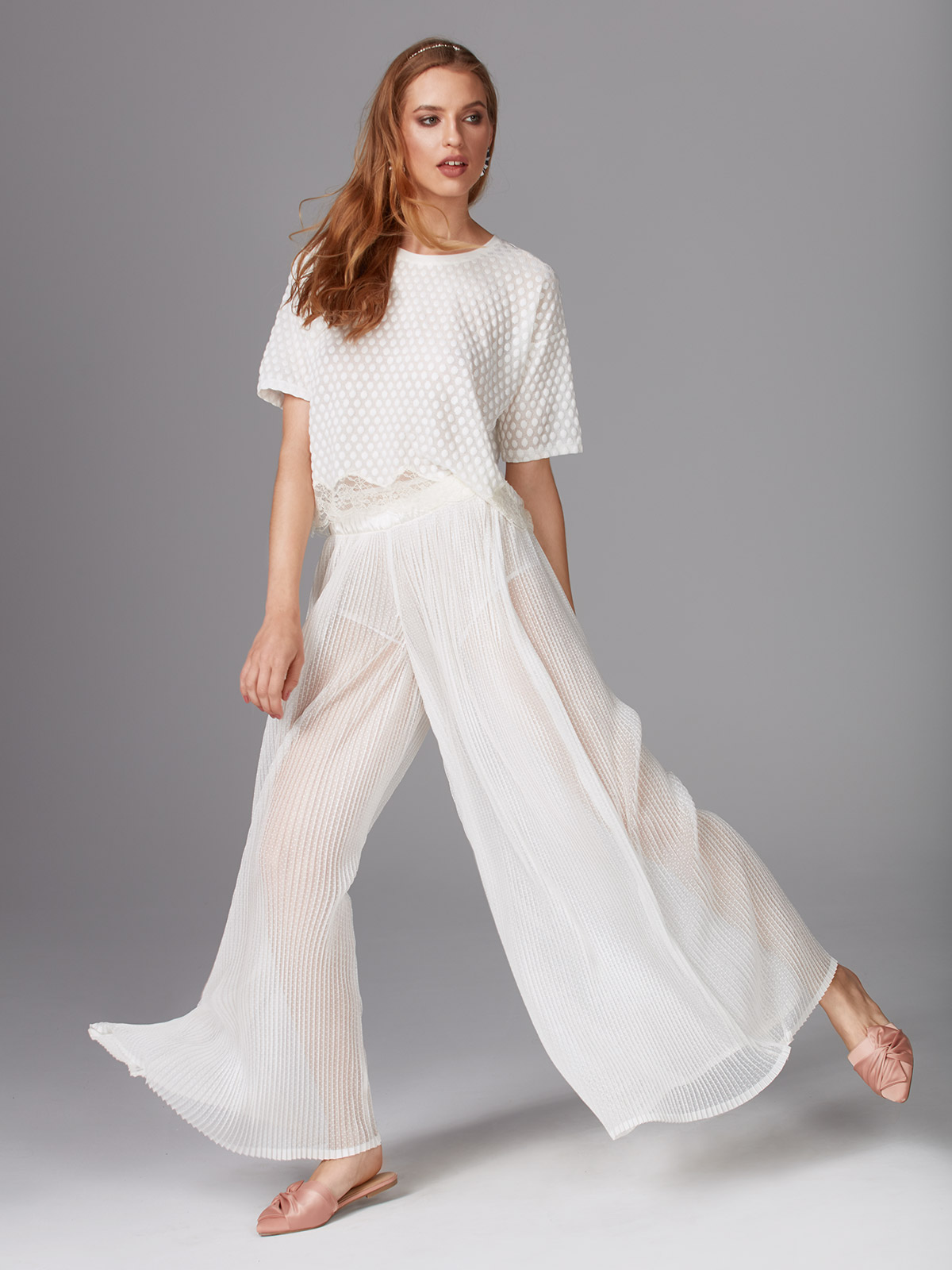 Florence OZ025 Maglia<br />Dance In The Rain OZ026 Pantalone Palazzo<br />01 Ivory, 02 Black