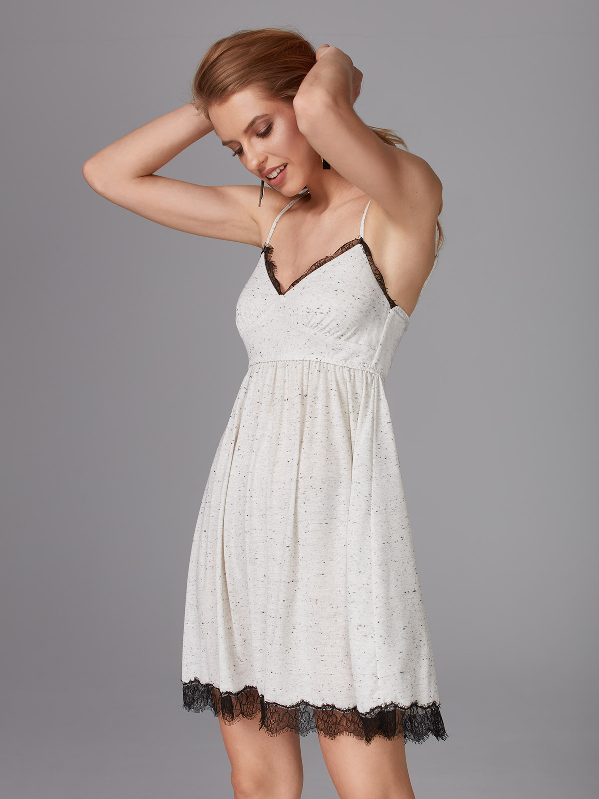 Fairy Tale OZ028 Chemise<br />01 Ivory, 02 Black, 59 Stracciatella, 64 Dusty Pink