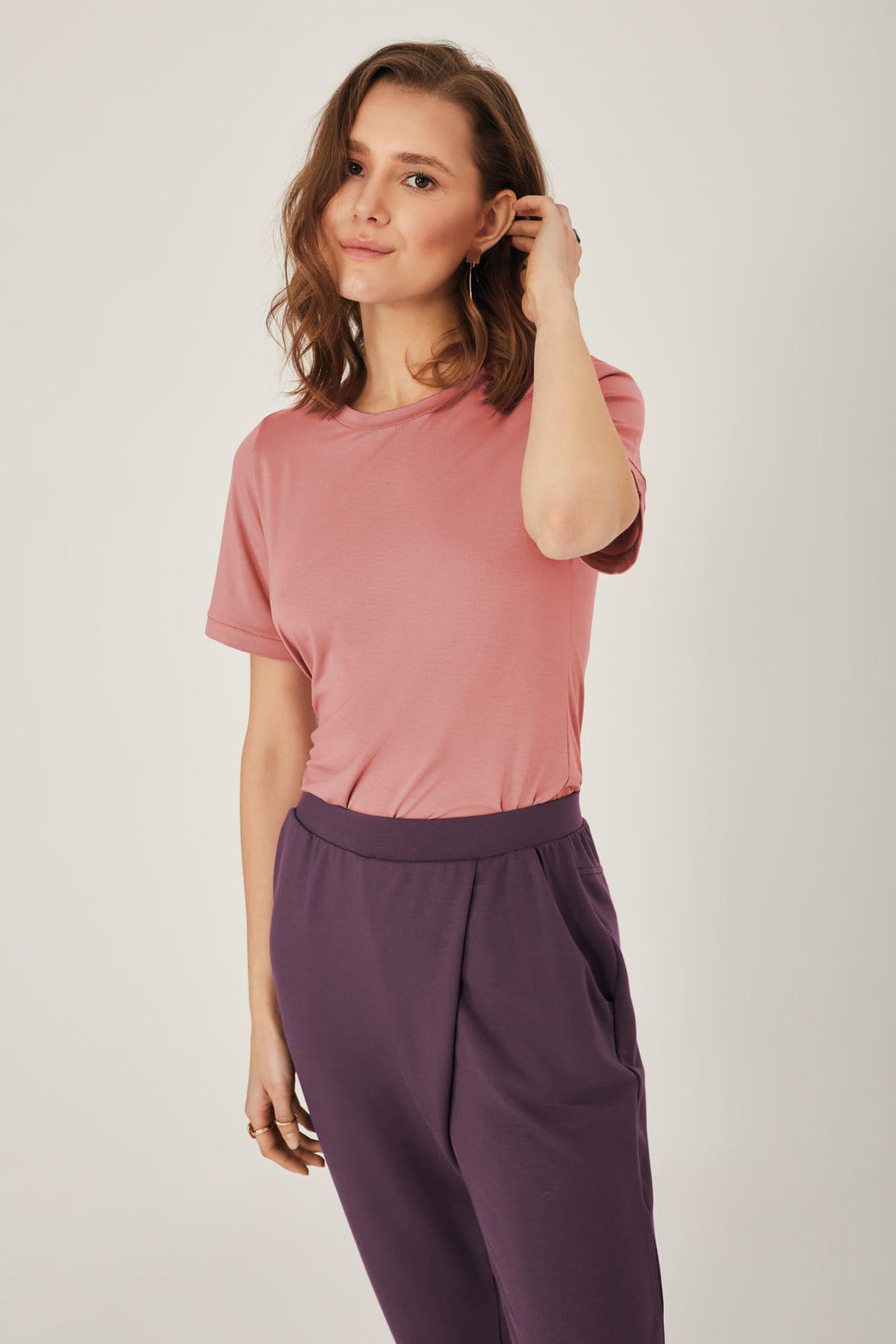 OZ518 - T-Shirt<br />Colori 02, 03, 67, 88<br />XS-4XL<br />OZ519 - Pantaloni<br />Colori 02, 11, 25, 89<br />XS-4XL